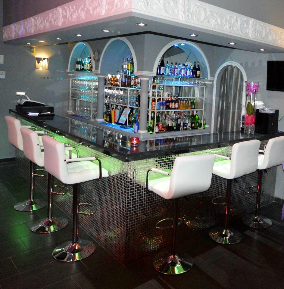 arcos bar gay