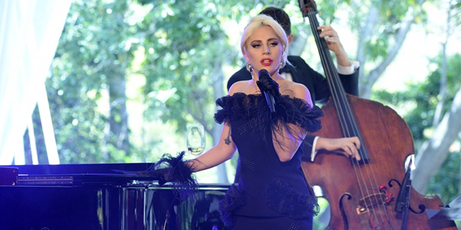 Photo of Lady Gaga canta La Vie en Rose