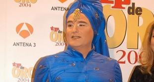 """Shangay Lily , activista, escritor y """"drag queen"""""""