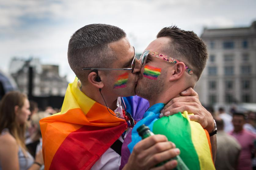 Decálogo contra la homofobia