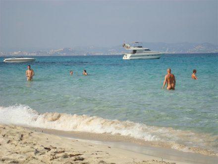 Las mejores playas gay de España. Es Cavallet Ibiza