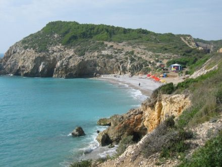 Las mejores playas gay de España. Hombre muerto Sitges