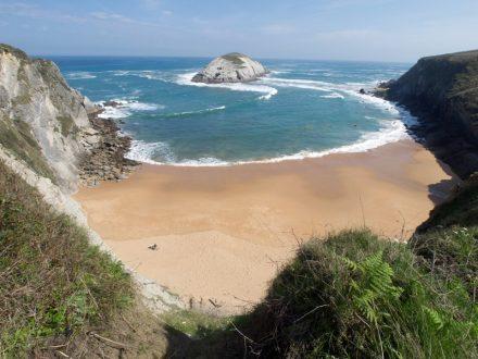 Las mejores playas gay de España. Cocachos. Cantabria