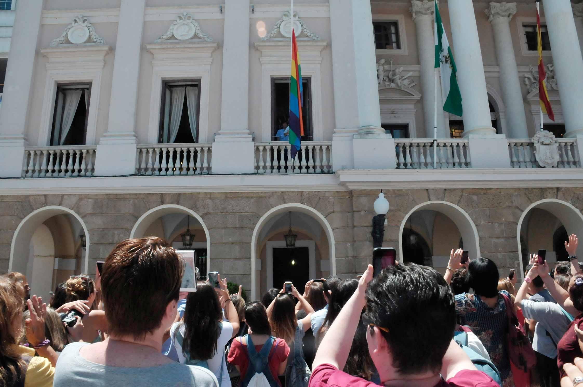 Photo of Arco Iris pone nota a 15 ayuntamientos de Cádiz