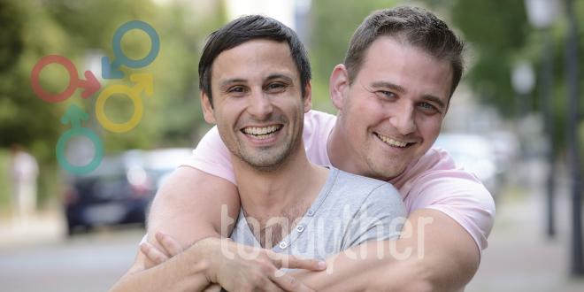 El matrimonio gay debería estar prohibido por...