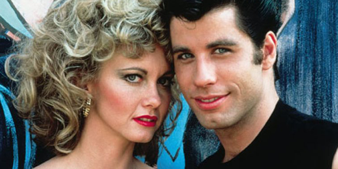 Photo of Olivia Newton-John y John Travolta cantando juntos 35 años después