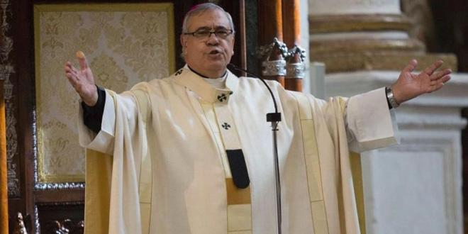Photo of El Observatorio Español contra la LGTBFOBIA denuncia al arzobispo de Granada