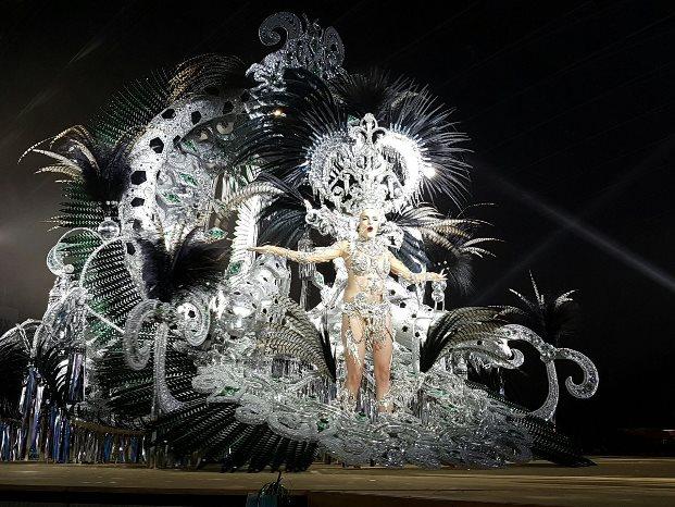 Judith López se proclama reina del carnaval 2017 de Santa Cruz de Tenerife.