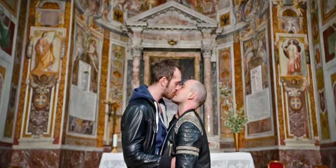"""Photo of Una predicadora de Italia declara que """"los hombres gays odian a las mujeres y a los niños"""""""