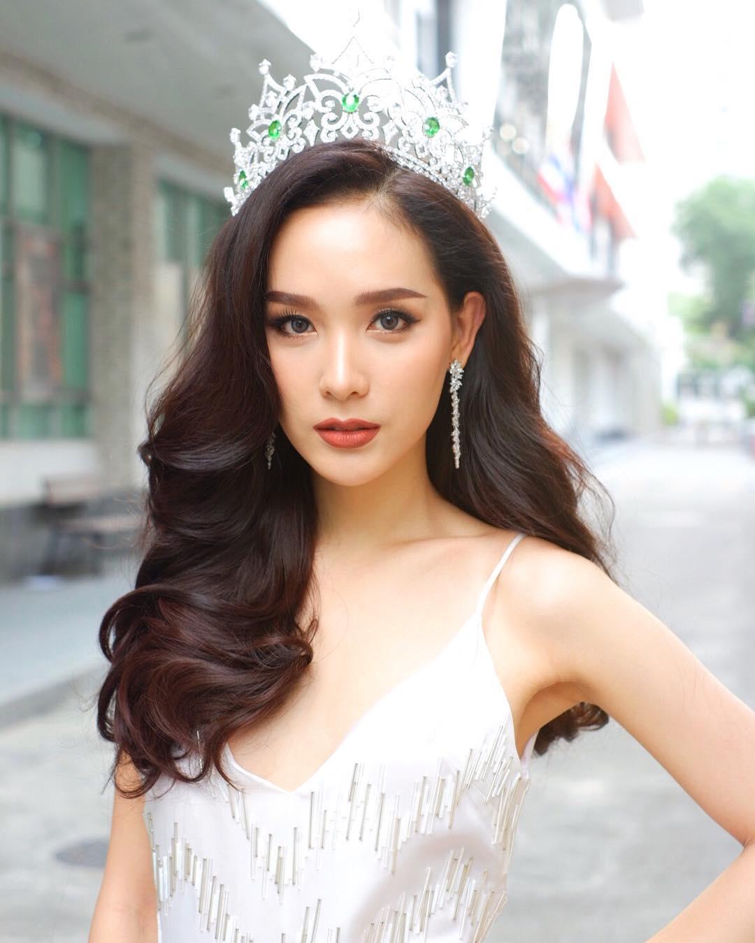 Transexual Tailandesa gana Miss International Queen