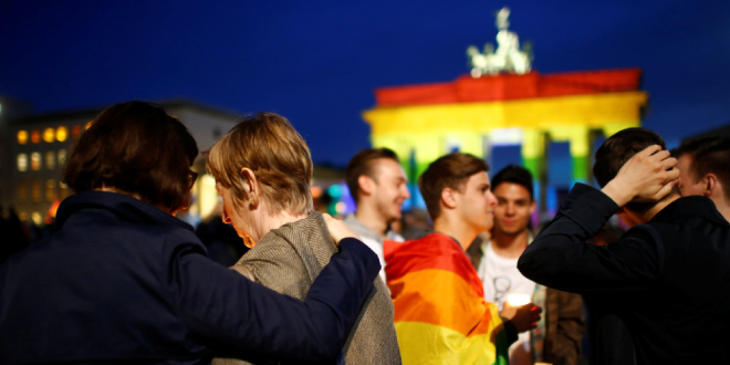Photo of Alemania indemnizará a los homosexuales condenados desde la II Guerra Mundial