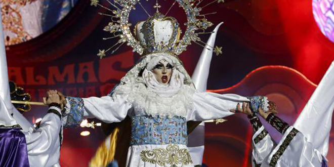 Photo of Drag Sethlas, coronada Reina de la Gala Drag Queen de Las Palmas