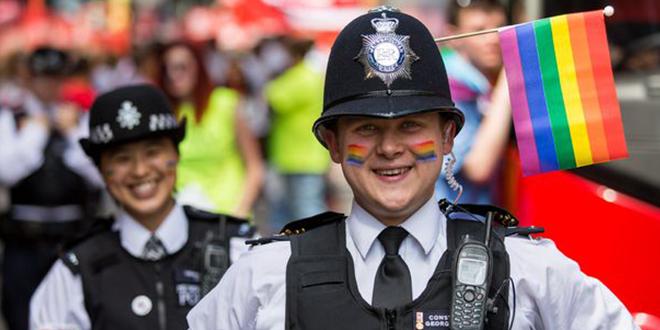 Photo of 1 de cada 3 británicos cree que la homosexualidad se elije