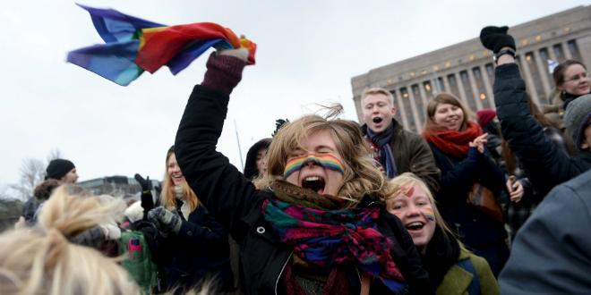 Finlandia legaliza el matrimonio homosexual