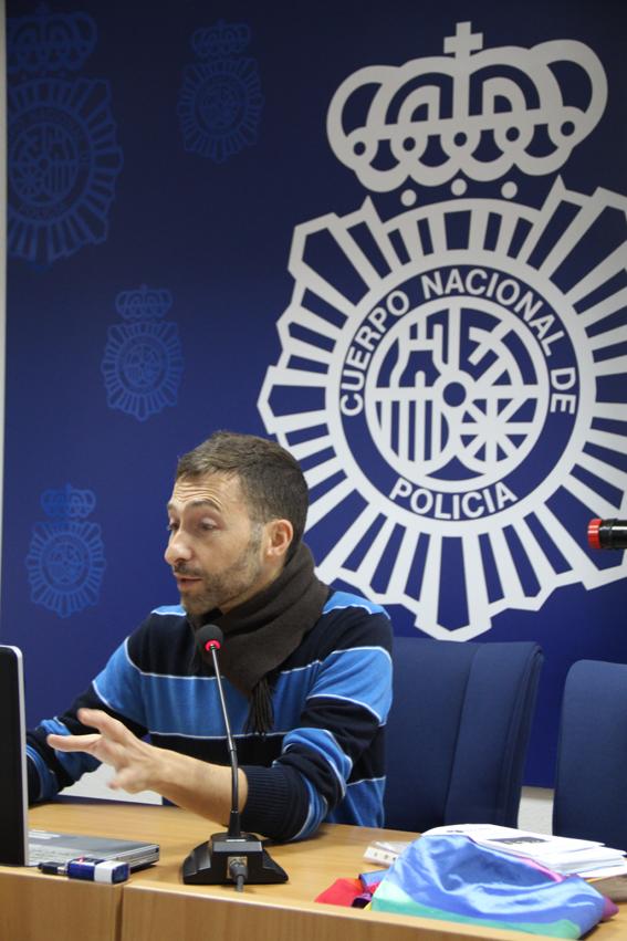 La policia de Estepona organiza la primera formación oficial sobre delitos de odio y población LGBTI