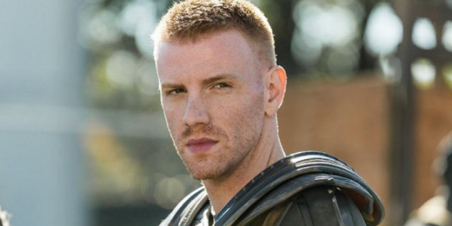 Daniel Newman de la serie 'The Walking Dead' sale del armario