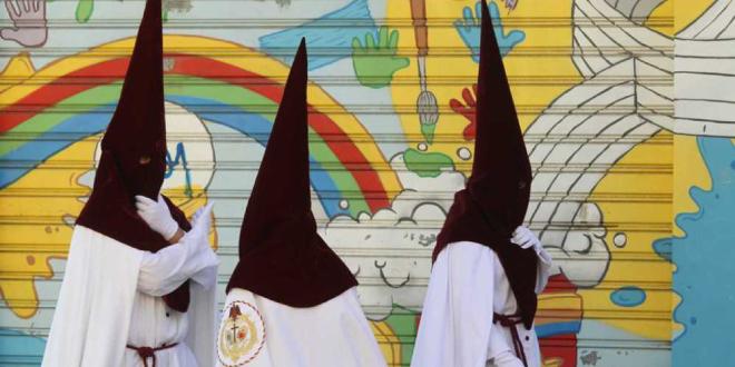 El gay más cofrade está en la Semana Santa de Sevilla