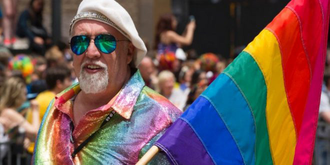 Photo of Muere Gilbert Baker, creador de la bandera arco iris