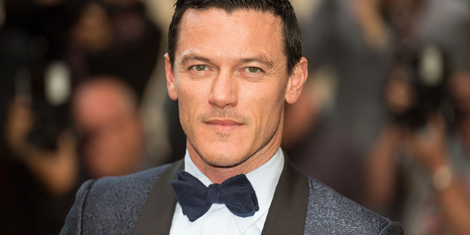 Luke Evans ser gay no le ha dañado su carrera