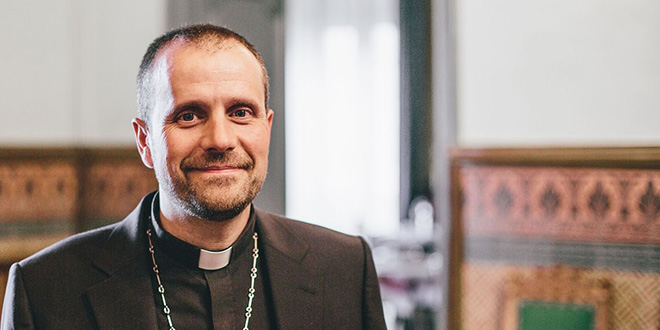Photo of El obispo de Solsona abucheado en Tárrega por homófobo