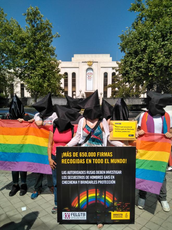 Activistas de todo el mundo exigen protección para los gays en Chechenia