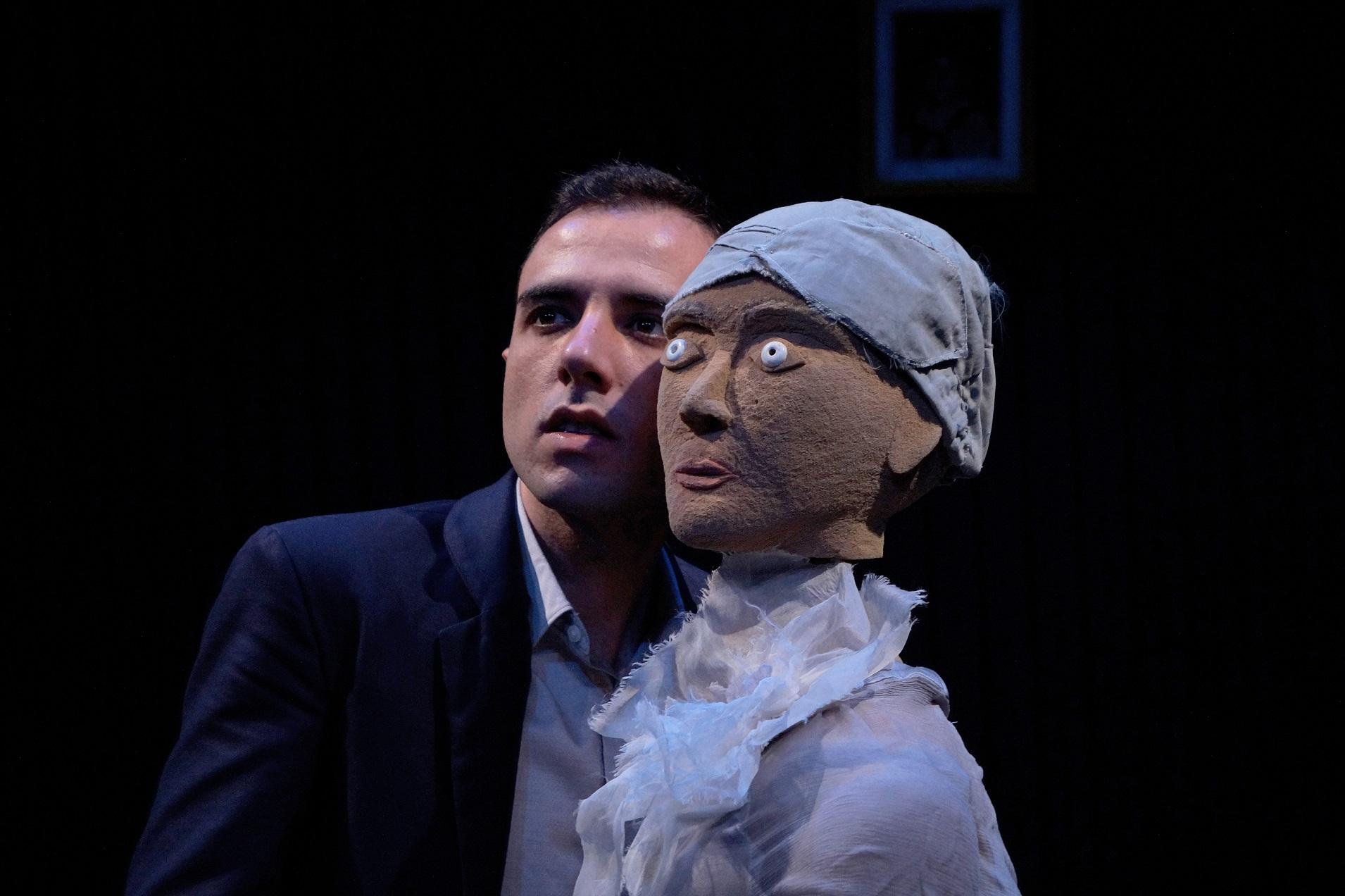 'Amor en guerra' Premio Nazario Espectáculo en la I Muestra de Teatro con Orgullo de Sevilla