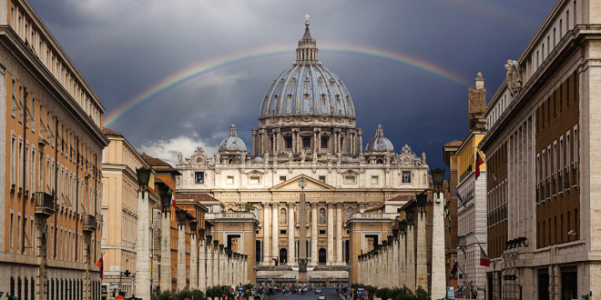 Photo of Orgía gay con drogas en el Vaticano
