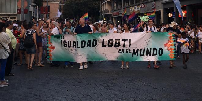 Sevilla se abre un poco más al Orgullo LGTBI de Andalucía