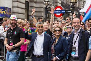 "El poderoso mensaje del alcalde de Londres ante el Orgullo LGBT: ""Sois el antídoto contra la tristeza"""