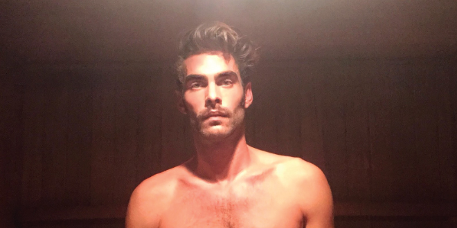 Photo of Jon Kortajarena desnudo en la sauna