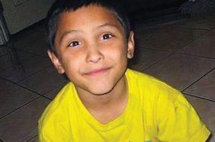 Unos padres queman y torturan hasta la muerte a un niño de 8 años por creer que es gay