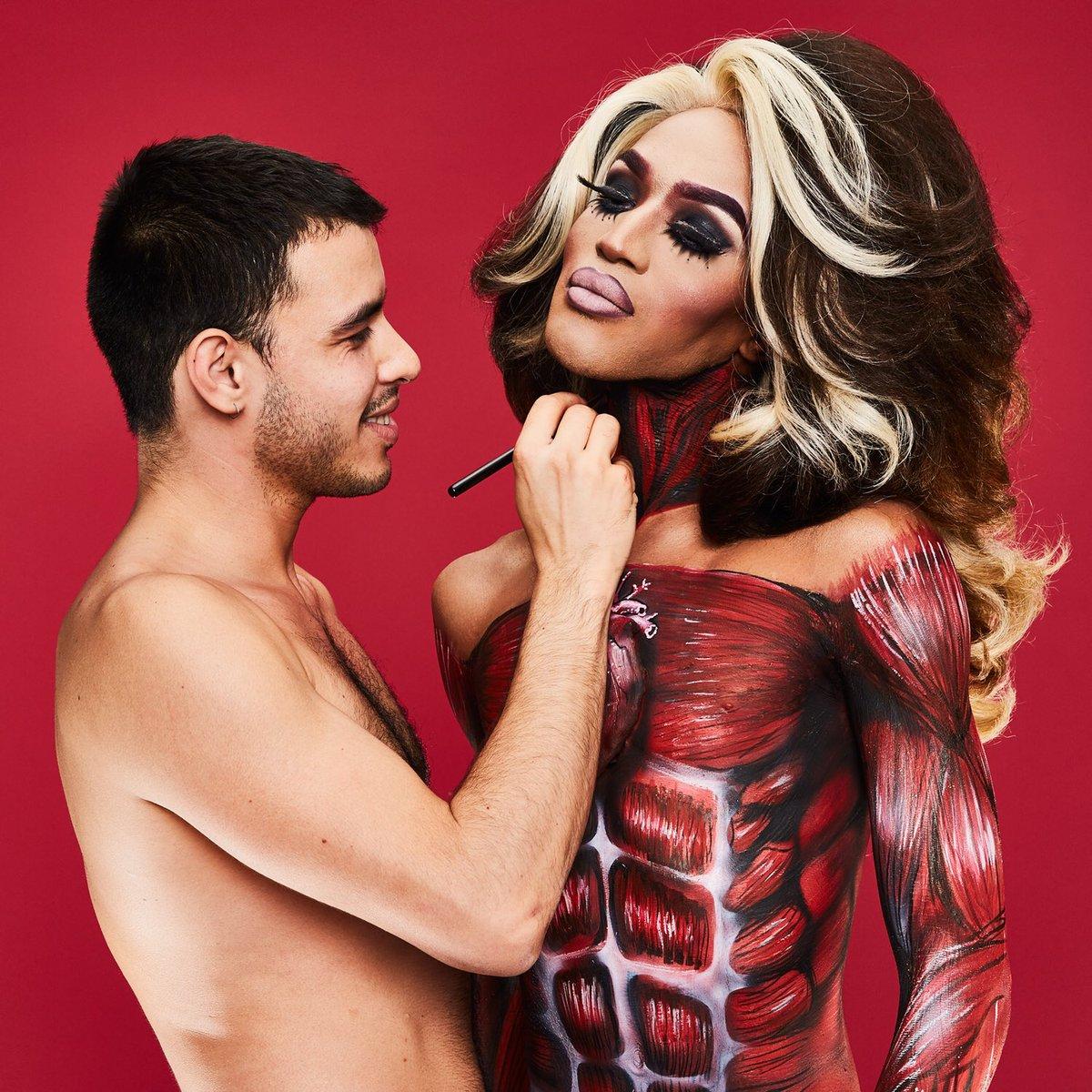 Los chulazos de Tom of Finlad cobran vida con el body painting