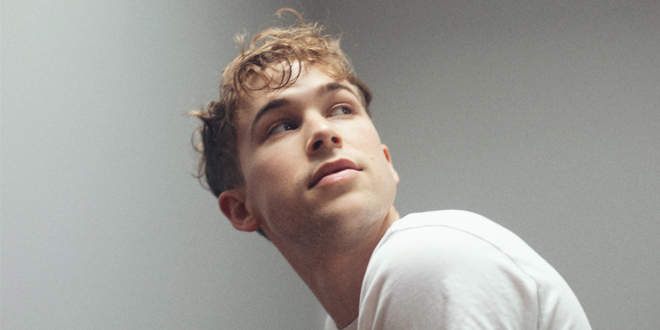 Tommy Dorfman abusos sexuales