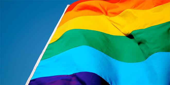 """WhatsApp LGTBifobia. La maravillosa respuesta de un chico al escribirle """"es gay"""" en su silla"""