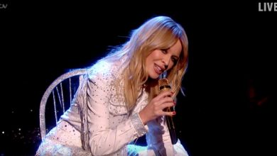 Photo of La primera actuación en directo de Kylie Minogue y su 'Dancing'
