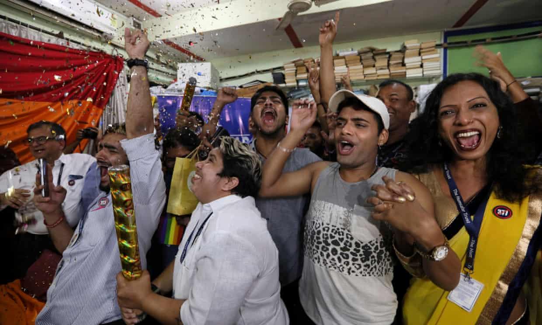 despenaliza homosexualidad india ley 377