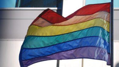 Photo of Prenden fuego a un edificio en Lituania por tener una bandera LGTB+