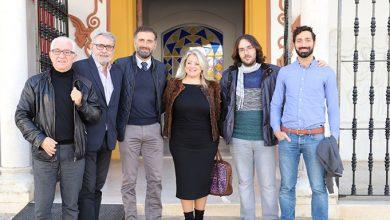 Photo of Moguer dona el premio «Camilo» a la mejor película de temática LGTBIQ en el Festival de Cine Iberoamericano