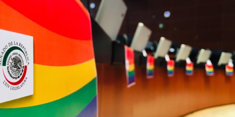 Seguridad social para la comunidad LGTB+ en México