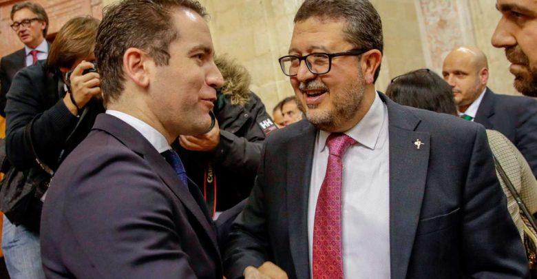 Una de las exigencias de Vox: Derogar la Ley LGTBI andaluza