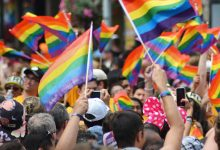 manifestación asociaciones LGTBI