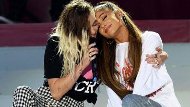 Photo of Ariana Grande y Miley Cyrus celebran el día de la mujer juntas