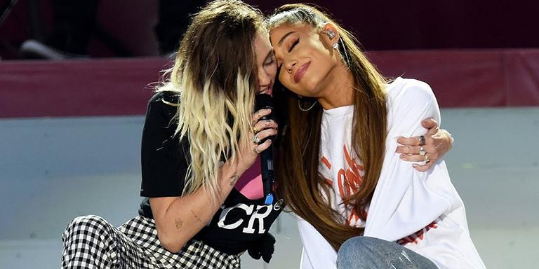 ariana grande Miley Cyrus cantan juntas por el día de la mujer