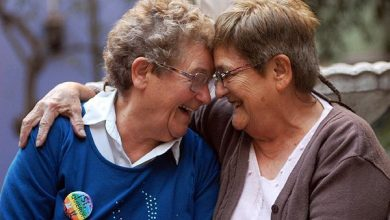 Photo of El Orgullo LGTBI Andalucía pide a la Junta garantizar que los centros de mayores no discriminen a las personas LGTBI