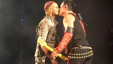 Photo of Los guitarristas de Rammstein se besan en Rusia a favor del colectivo LGTB+