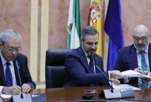 Photo of Vox impone a la Junta de Andalucía el pin parental para que los niños reciban charlas de diversidad