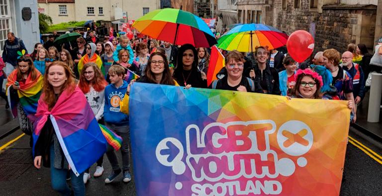 escocia enseñar historia LGTB+