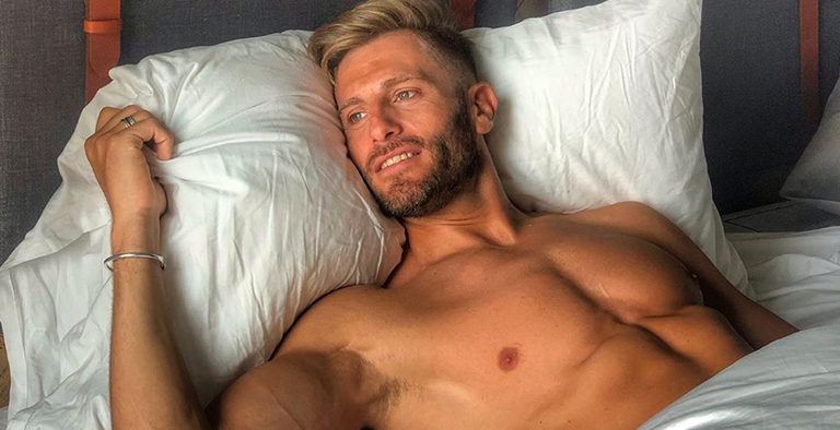 Photo of Matías Roure, camarero en 'First Dates', se desnuda en su Instagram
