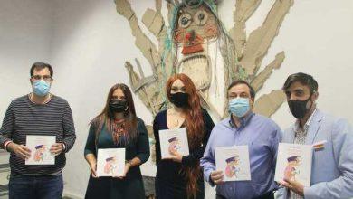 Photo of La Asociación Lánzate presenta el libro de transexualidad infantil, «La Pequeña sirena de media noche»