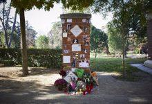 Photo of Desaparecen flores, fotos, y velas del memorial de La Veneno en el Parque del Oeste